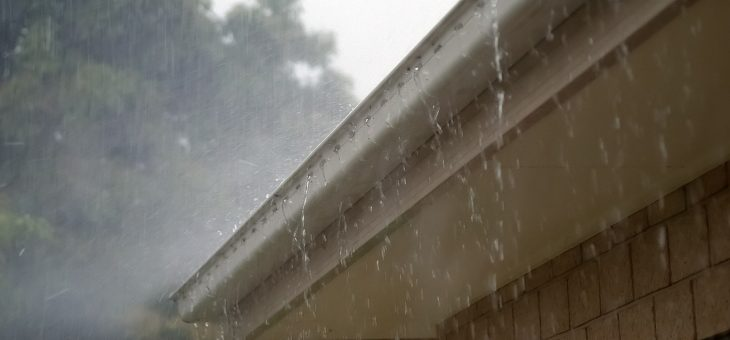 Des gouttières pour équiper les toitures